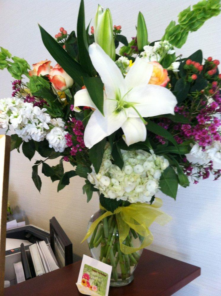 Federico's Family Florist: 815 Focis St, Metairie, LA