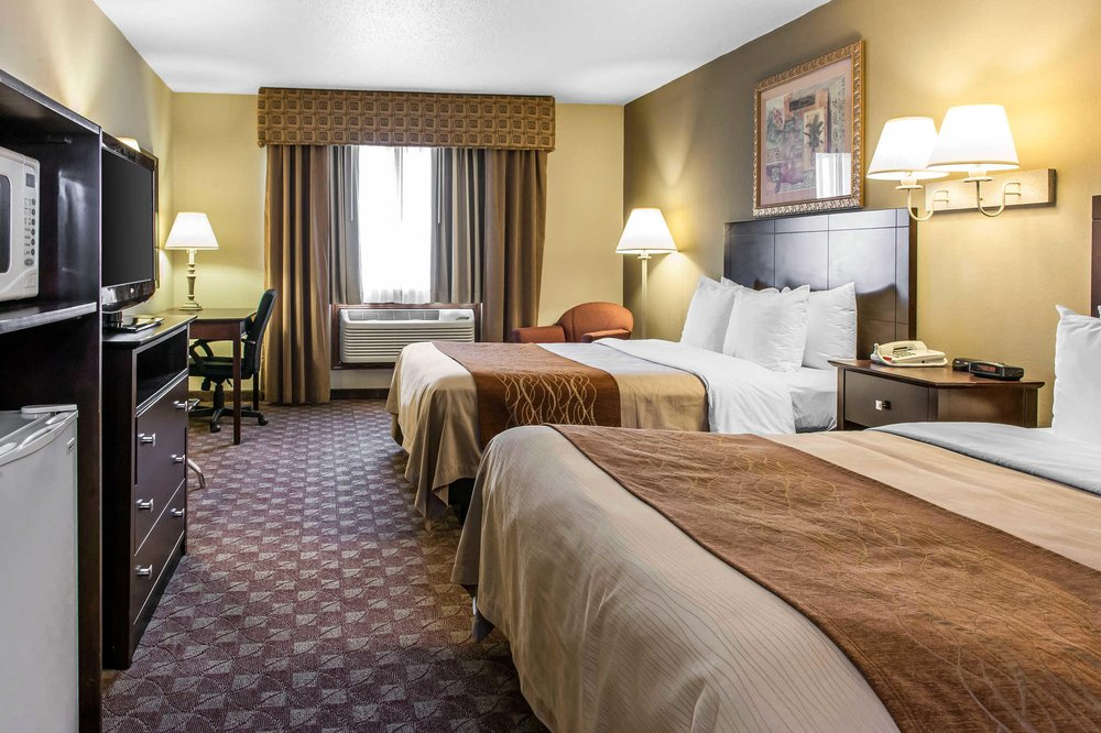 Quality Inn: 1068 Hotel Drive, Defiance, OH