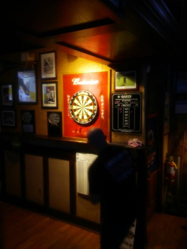 Off Broadway Sports Pub: 3 Boulevard Ave, Greenlawn, NY