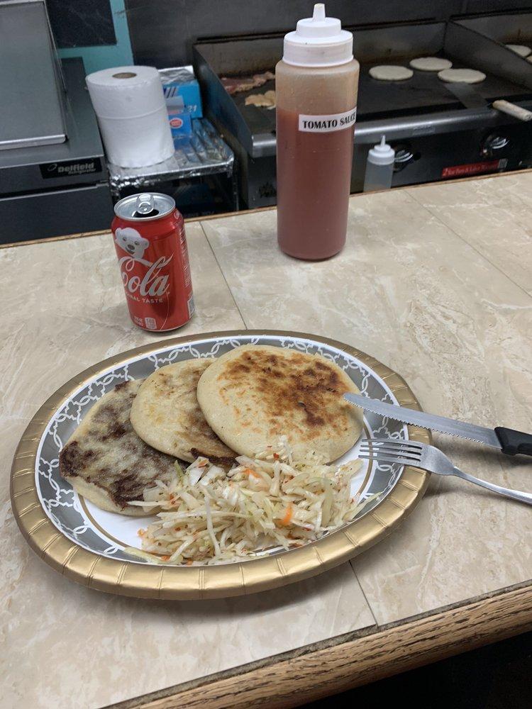 Food from La Pupusa Loca Grille