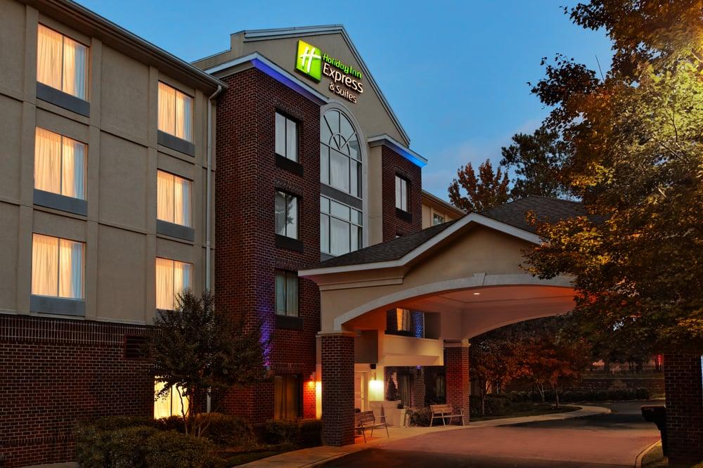 Holiday Inn Express & Suites Richmond-Brandermill-Hull St.: 5030 W Village Green Dr, Midlothian, VA