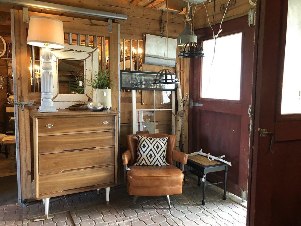 Elegant Barn: 491 Co Rd Bb, Marshall, WI