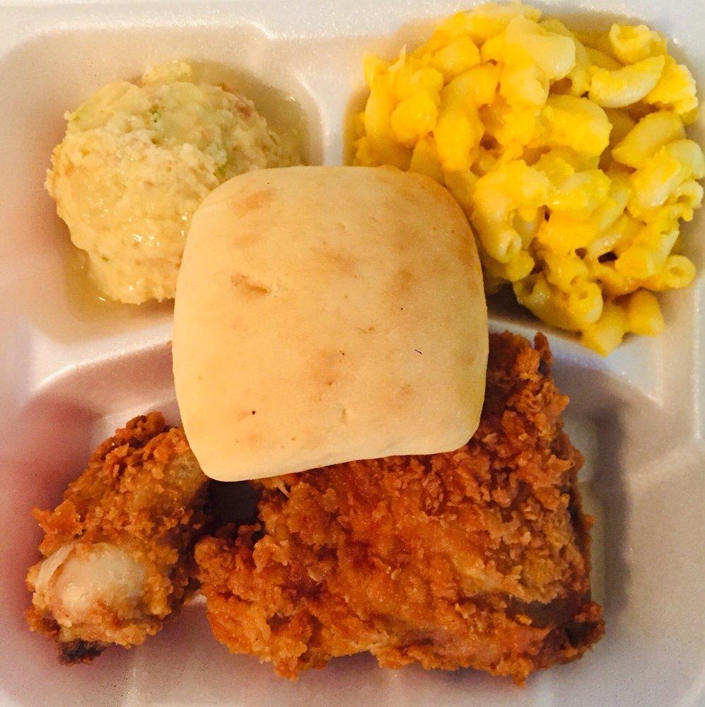 Minnie's Uptown Restaurant: 104 8th St, Columbus, GA