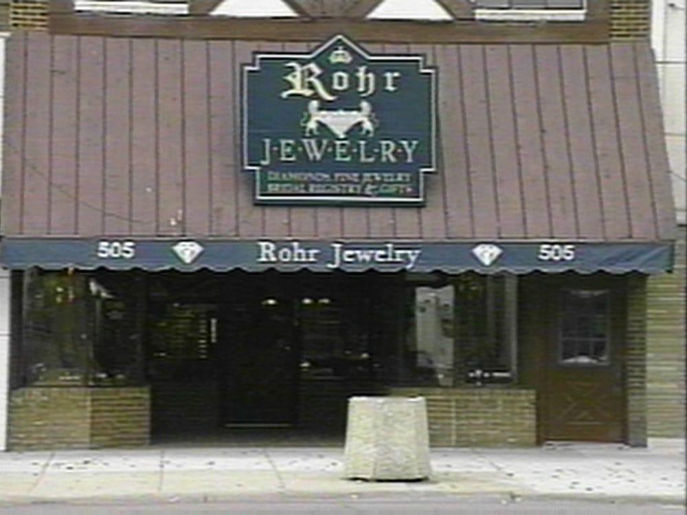 Rohr Jewelry: 505 N Main St, Newton, KS