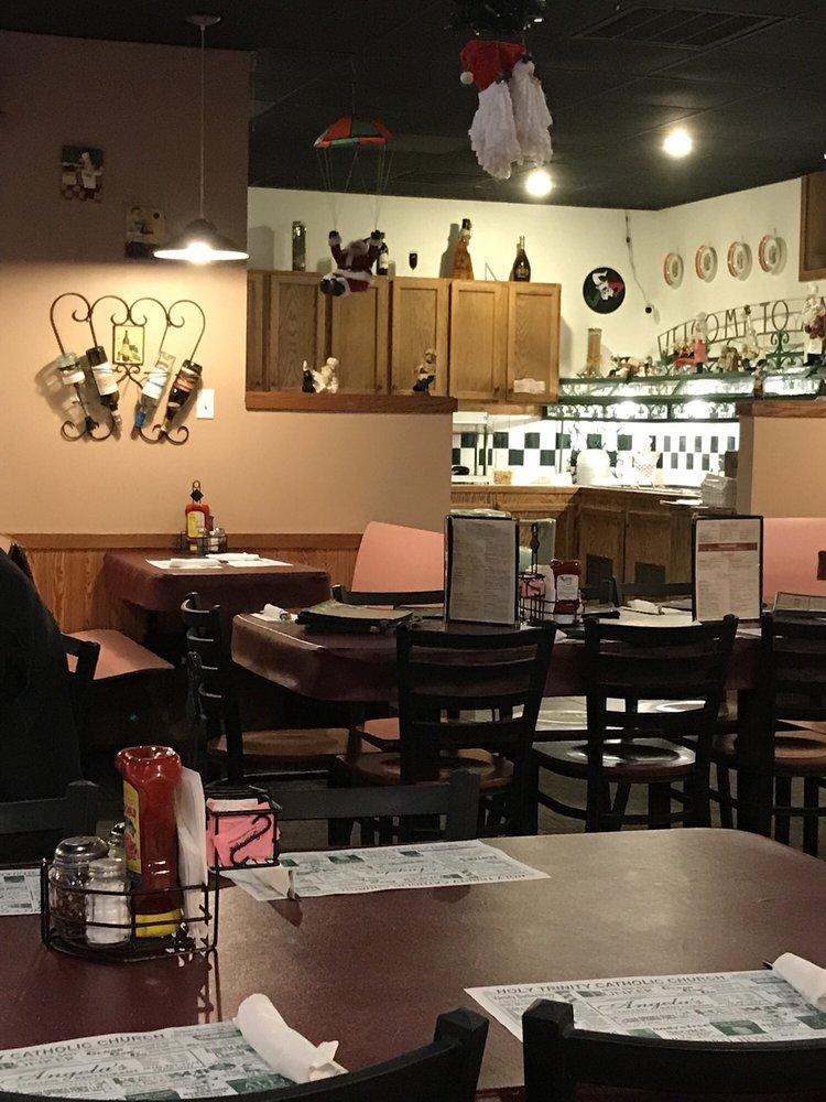 Angela's Italian Restaurant & Pizza: 240 E Division St, Sparta, MI