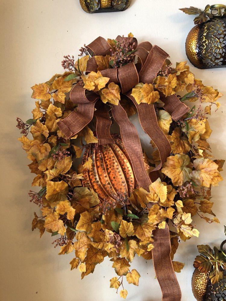 Foley's Florist & Gifts: 592 Chestnut St, Berea, KY