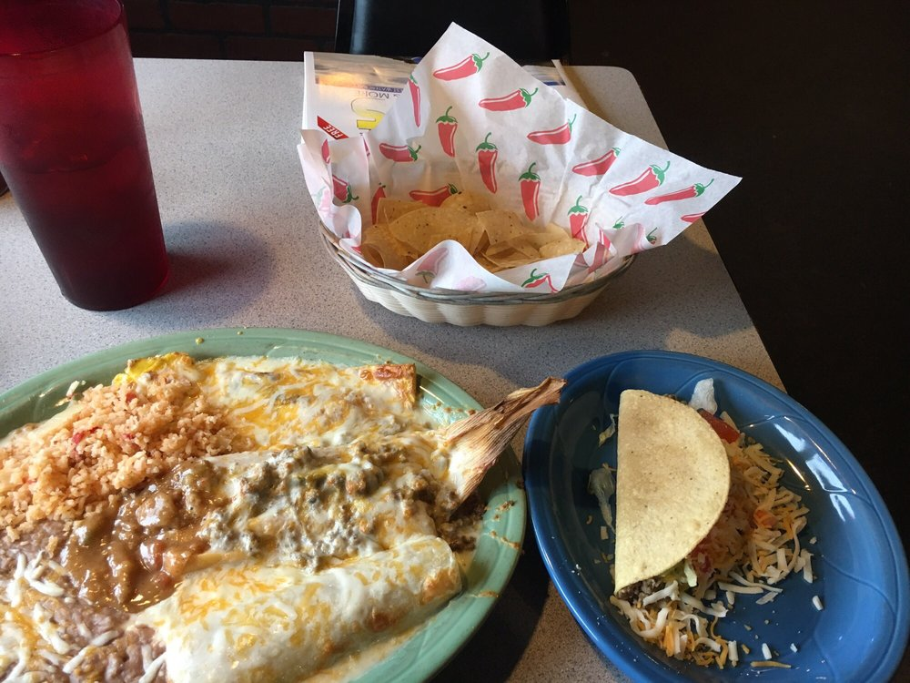 Carlos Montez Mexican Restaurant and Cantina: 395 Ok 28, Langley, OK