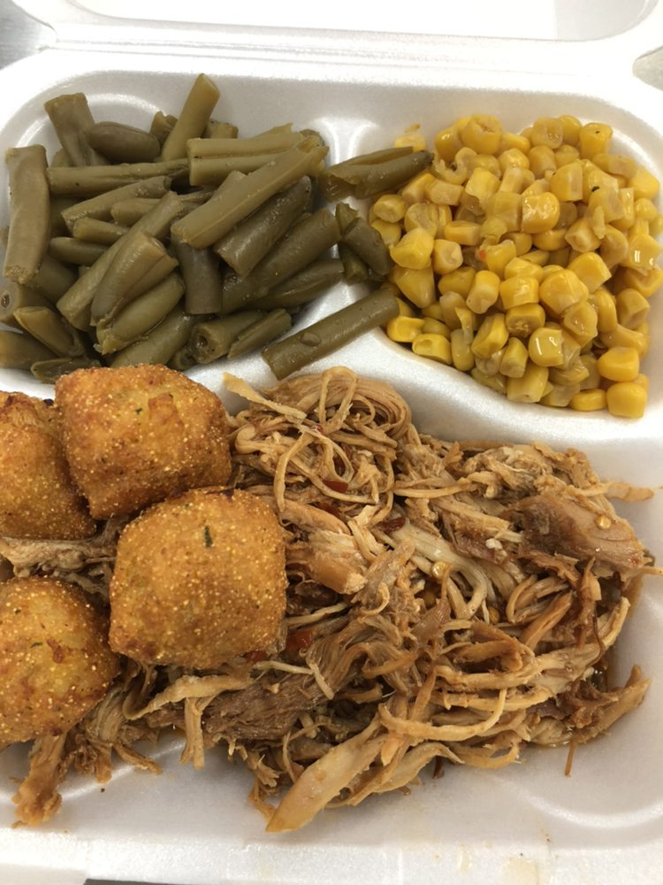 Z'z BBQ and Catering: 861 Town Center Blvd, Clayton, NC