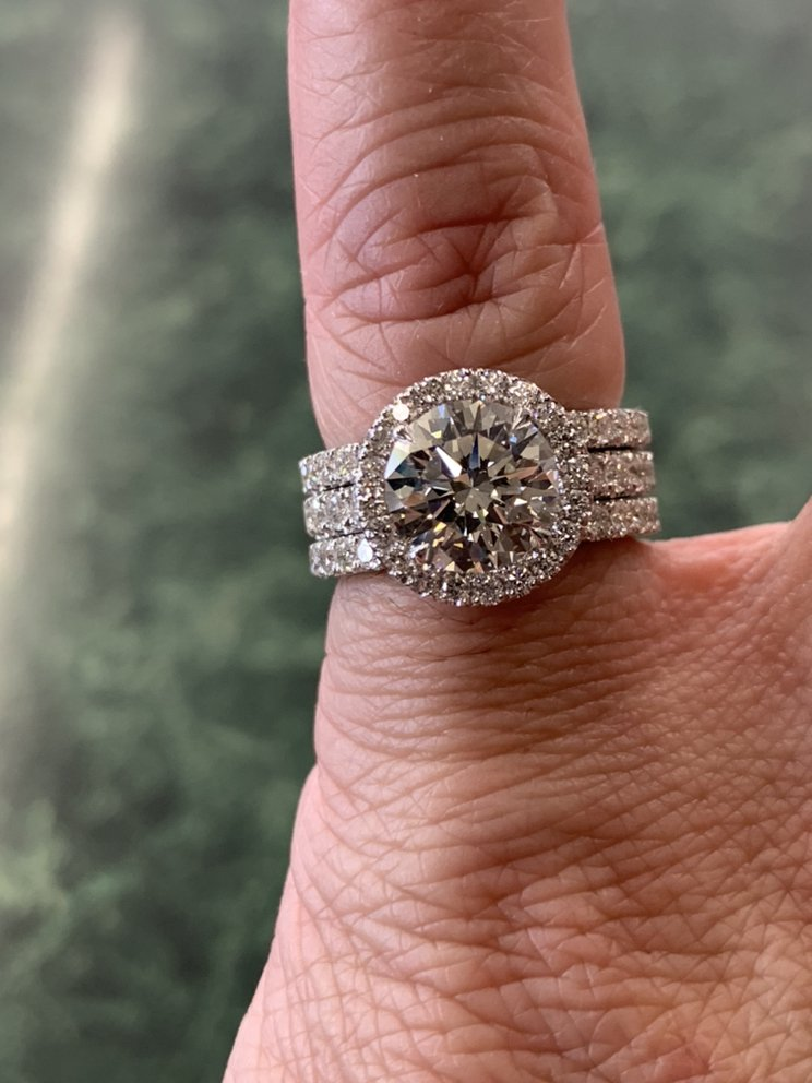 Hanford Jewelry & Loan: 101 W 7th St, Hanford, CA