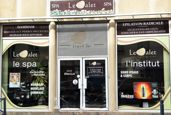 Spa le Galet  Day Spas  79 rue Paul Bert, Nogent sur Marne, ValdeMarne,  -> Table Salon Led Galet