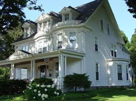 The Golden Oak Inn Bed & Breakfast: 477 Canton St, Troy, PA