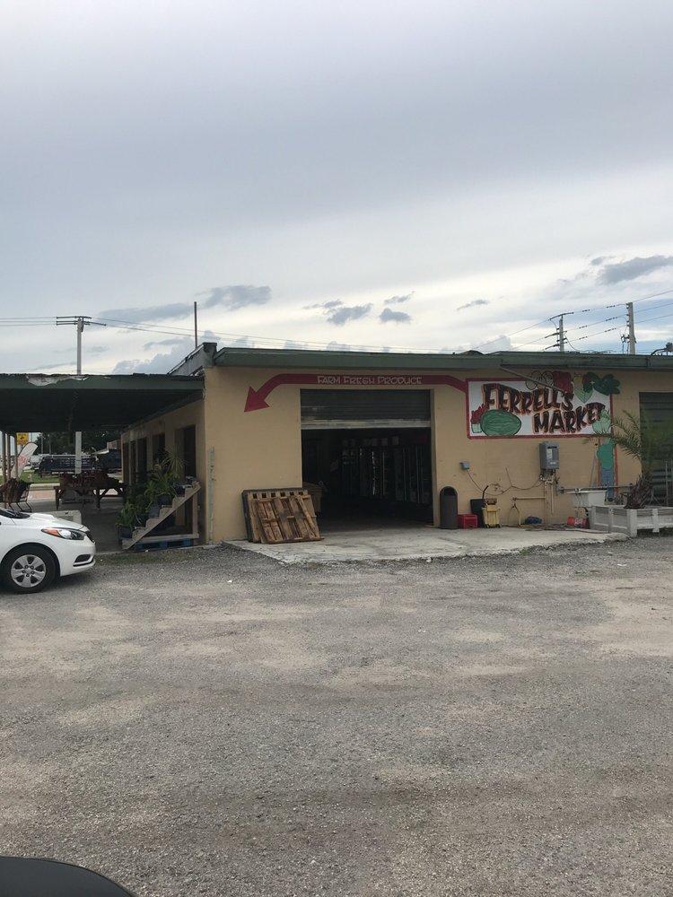 Ferrell's Market: 820 NW Park St, Okeechobee, FL