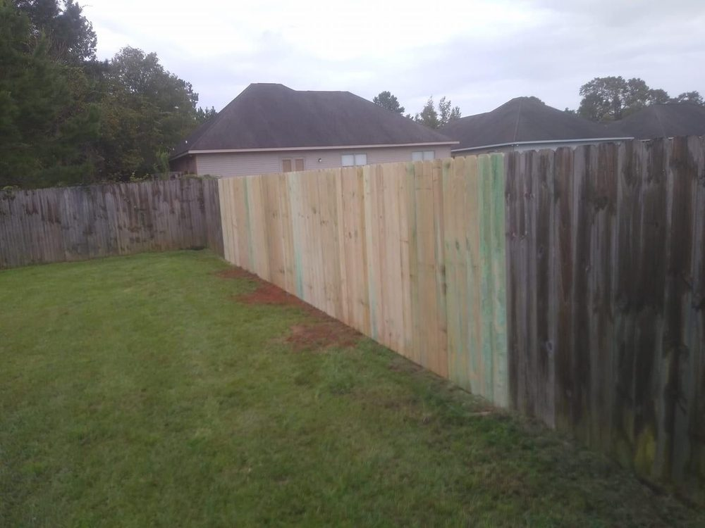 Dearmon Fence Company: Satsuma, AL