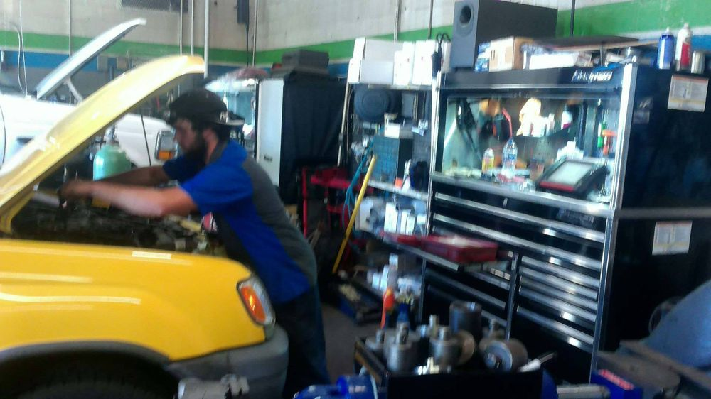 Larry's Auto Service Center: 435 Pembroke Rd, Bethlehem, PA