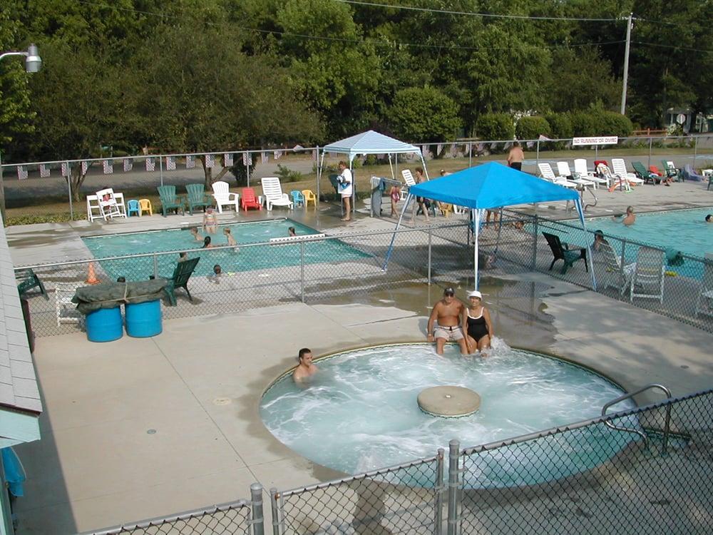 Campers 39 spa kiddie pool yelp for Fish lake camping
