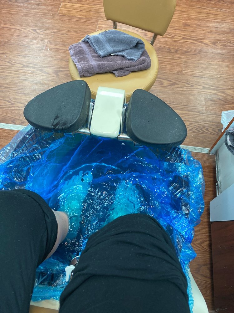 Absolute Nails & Spa: 5751 Byron Center Ave SW, Wyoming, MI