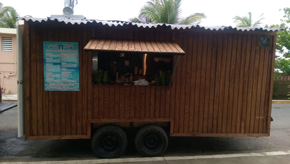 Surf n Turf: 20-26 Calle Ariosto Cruz, Arecibo, PR