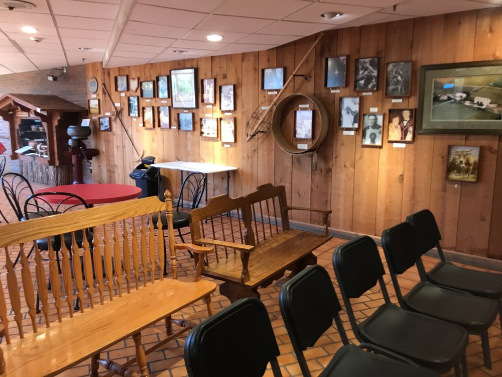Rothenbuhler Cheese Chalet: 15815 Nauvoo Rd, Middlefield, OH