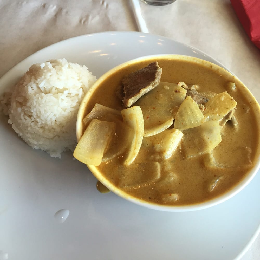 Beef yellow curry with jasmine rice yelp for Anothai cuisine cypress