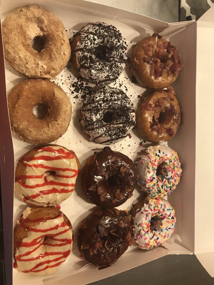Bucks Donuts: 2879 N Ridge E, Ashtabula, OH