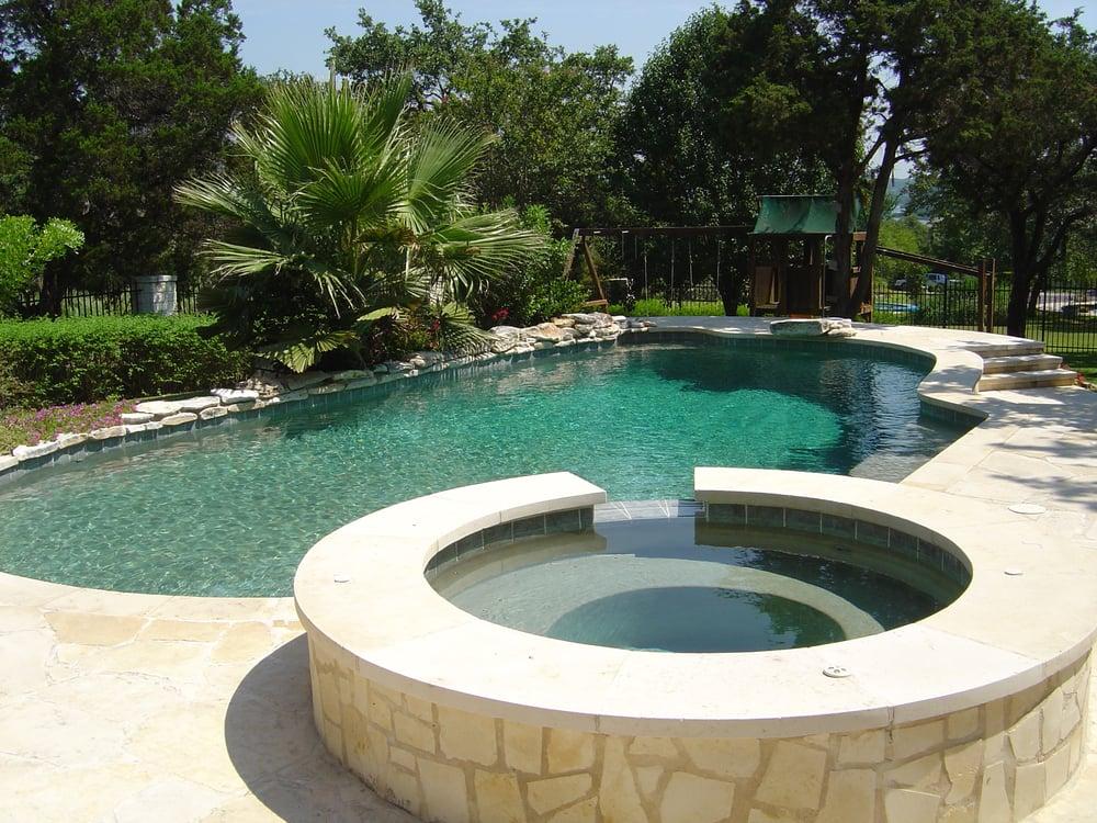 Emerald pools pool hot tub services 3102 maple ave for Limestone tub