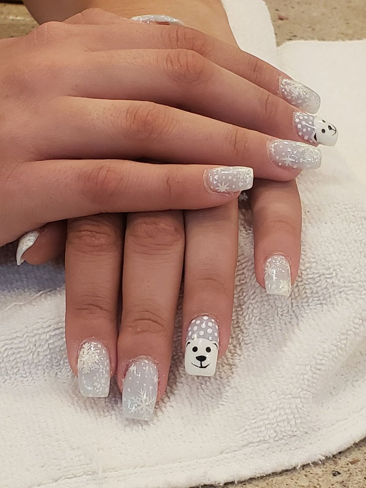 Instyle Nail Spa: 27811 Greenspot Rd, Highland, CA