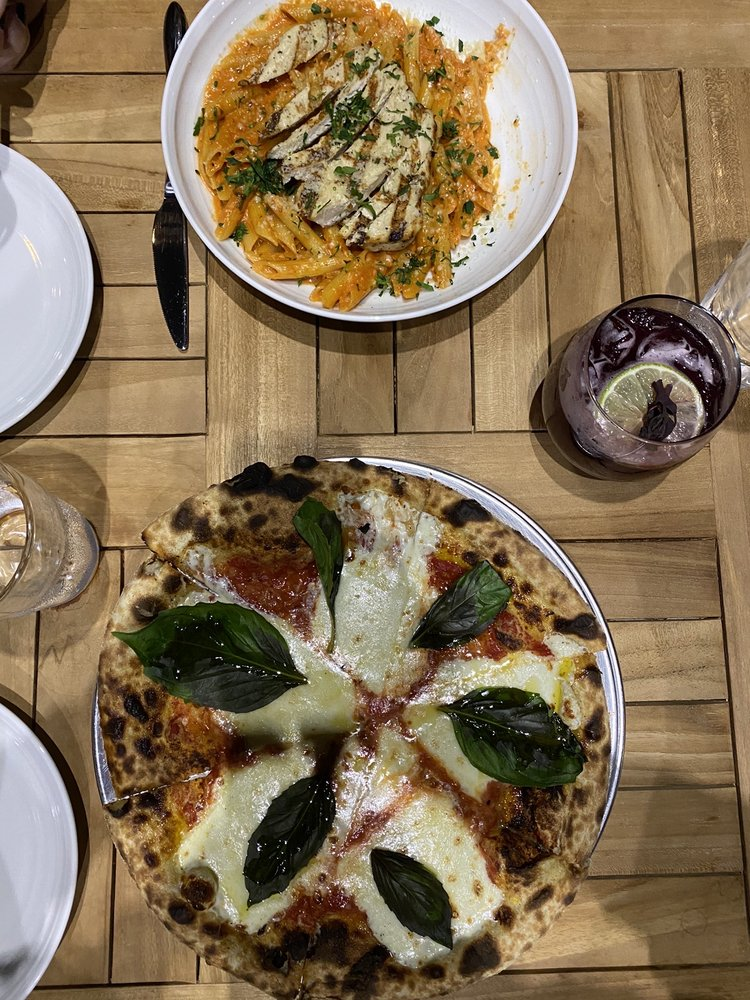 Bottega Italian Kitchen & Bar: 6 Stony Hill Road Bethel Ct, Bethel, CT
