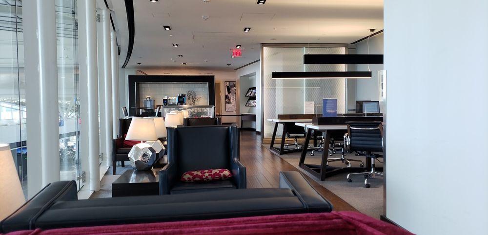 British Airways Galleries First Lounge: 1 Saarinen Cir, Dulles, VA