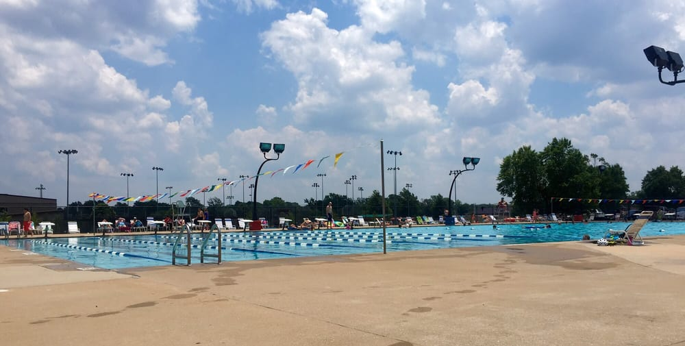 Bentonville city pool piscines 2403 e central ave for Bentonville pool