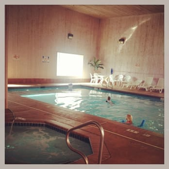 Quality suites 24 photos 20 reviews hotels 800 s for Indoor pools in utah