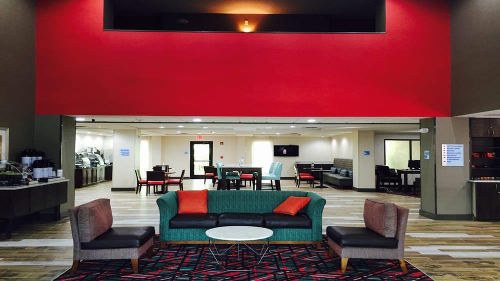 Holiday Inn Express Madison: 1041 Ramada Ln, Madison, GA