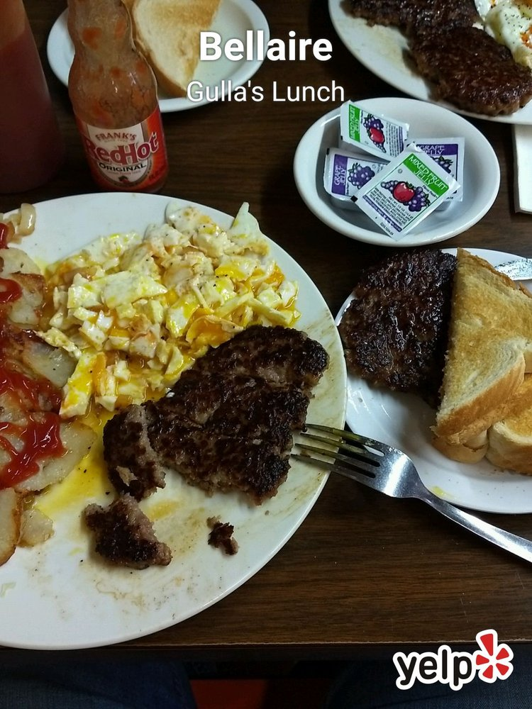 Gulla's Lunch: 3073 Belmont St, Bellaire, OH