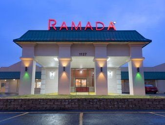 Ramada by Wyndham Mountain Home: 1127 Ne Highway 62, Mountain Home, AR