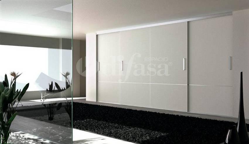 Armario empotrado a medida puertas correderas modernas for Armarios empotrados modernos