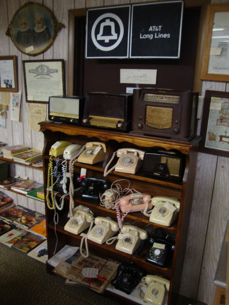 Pluemers Antiques & Collectables: 316 N Pokegama Ave, Grand Rapids, MN