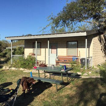 Frio river cabins 18 photos 12 reviews hotels 6978 for Cabins along the frio river