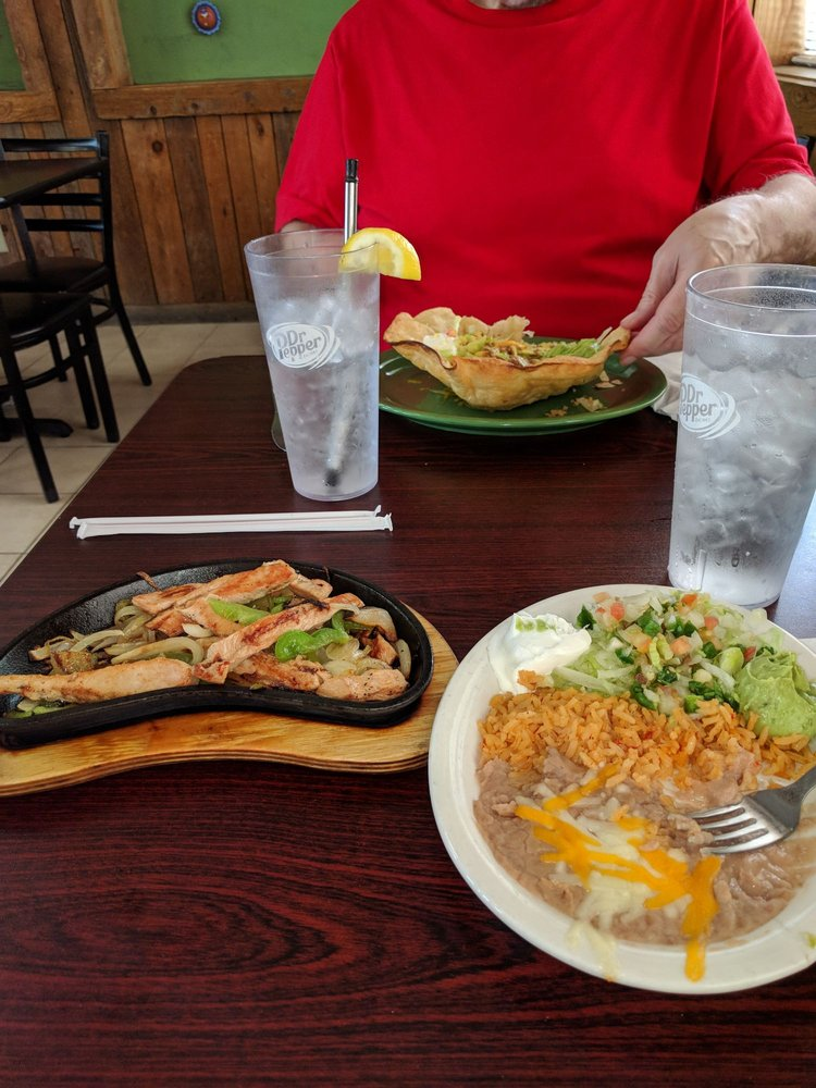 Yoli's Mexican Grill: 839 Redwater Rd, Wake Village, TX
