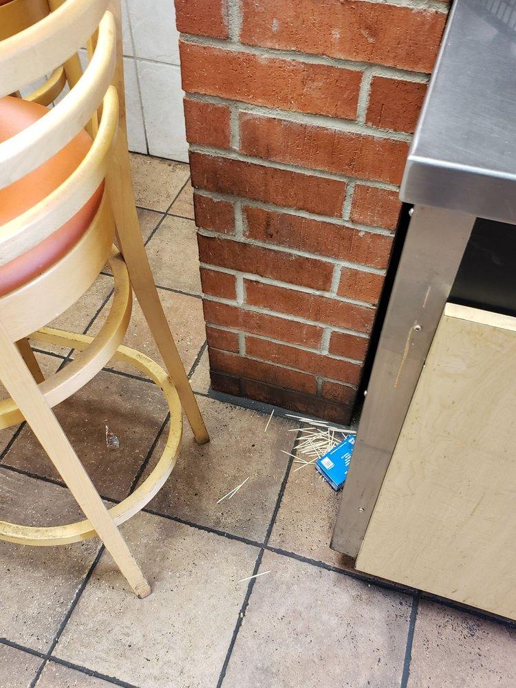 Dairy Queen: 1350 Hwy 281 S, George West, TX