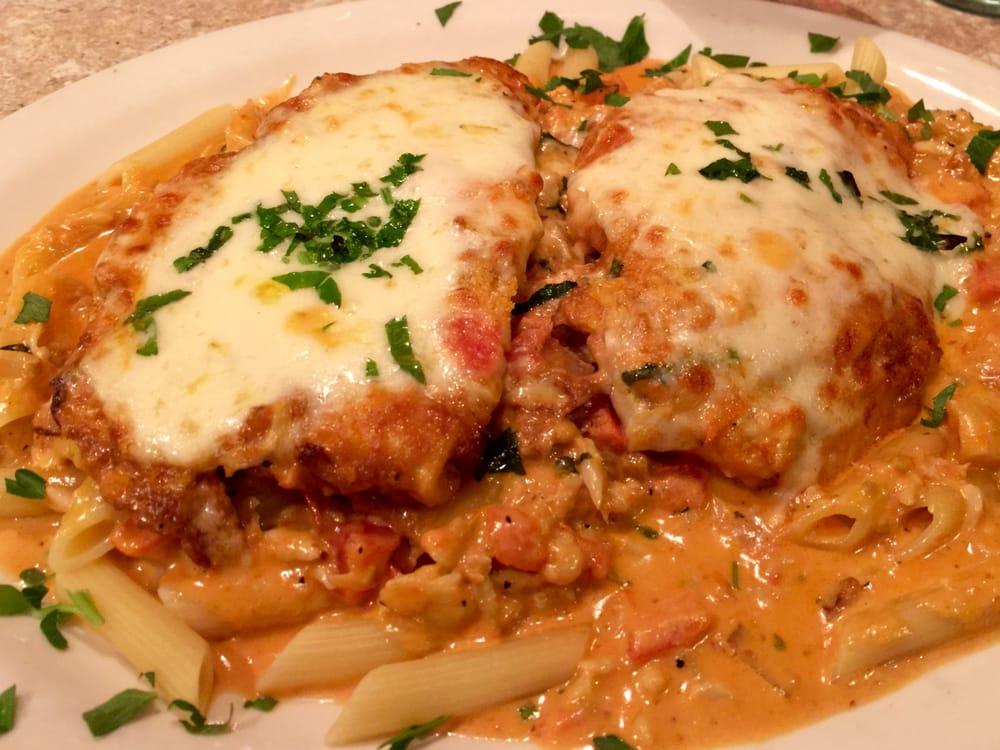 Italiano Delite Restorante: 1375 Chestnut St, Emmaus, PA