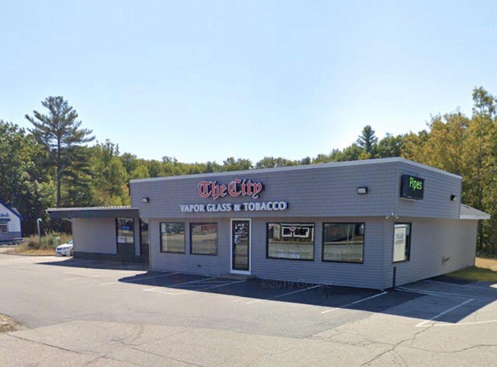 The City Vapor Glass & Tobacco - Farmington: 438 NH Rte 11, Farmington, NH