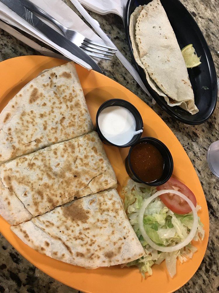 Antojitos Mexicanos: 7154 S McCracken Rd, Westley, CA