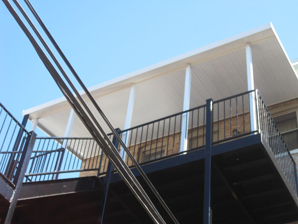 Awnings Over Chicagoland: 10204 W Franklin, Franklin Park, IL