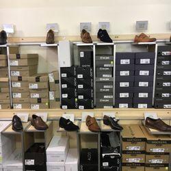81db1025c35e DSW Designer Shoe Warehouse - 23 Photos   46 Reviews - Shoe Stores - 12058  Lakewood Blvd