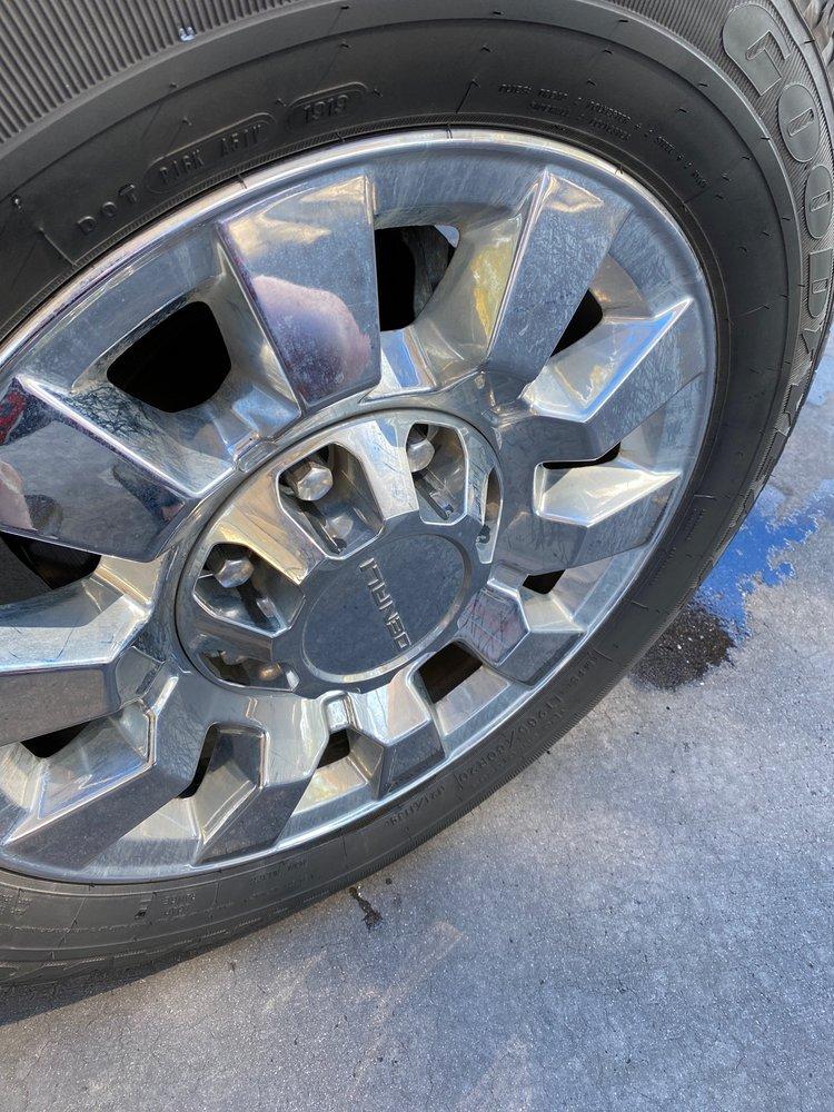 Road Runner Express Car Wash: 15001 N 82nd St, Scottsdale, AZ