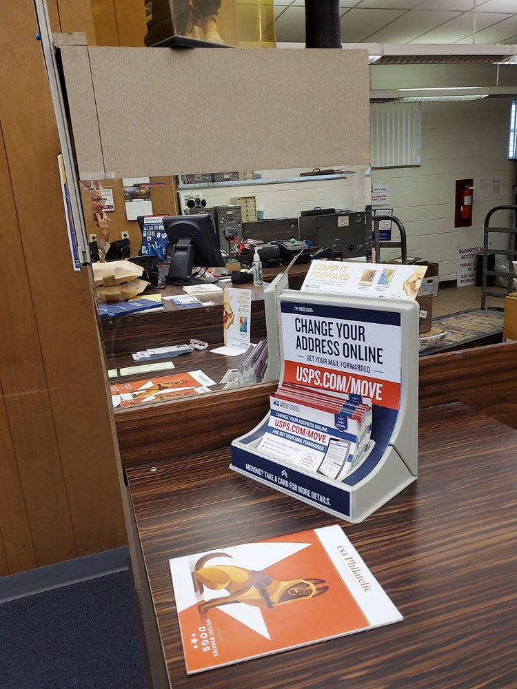 United States Post Office: 3 S Belleville St, Freeburg, IL