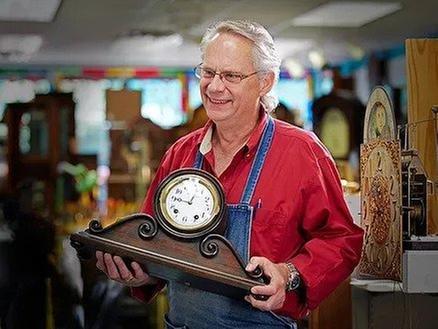 Blackstone Manor Clock Repair: 815 Mainstreet, Hopkins, MN