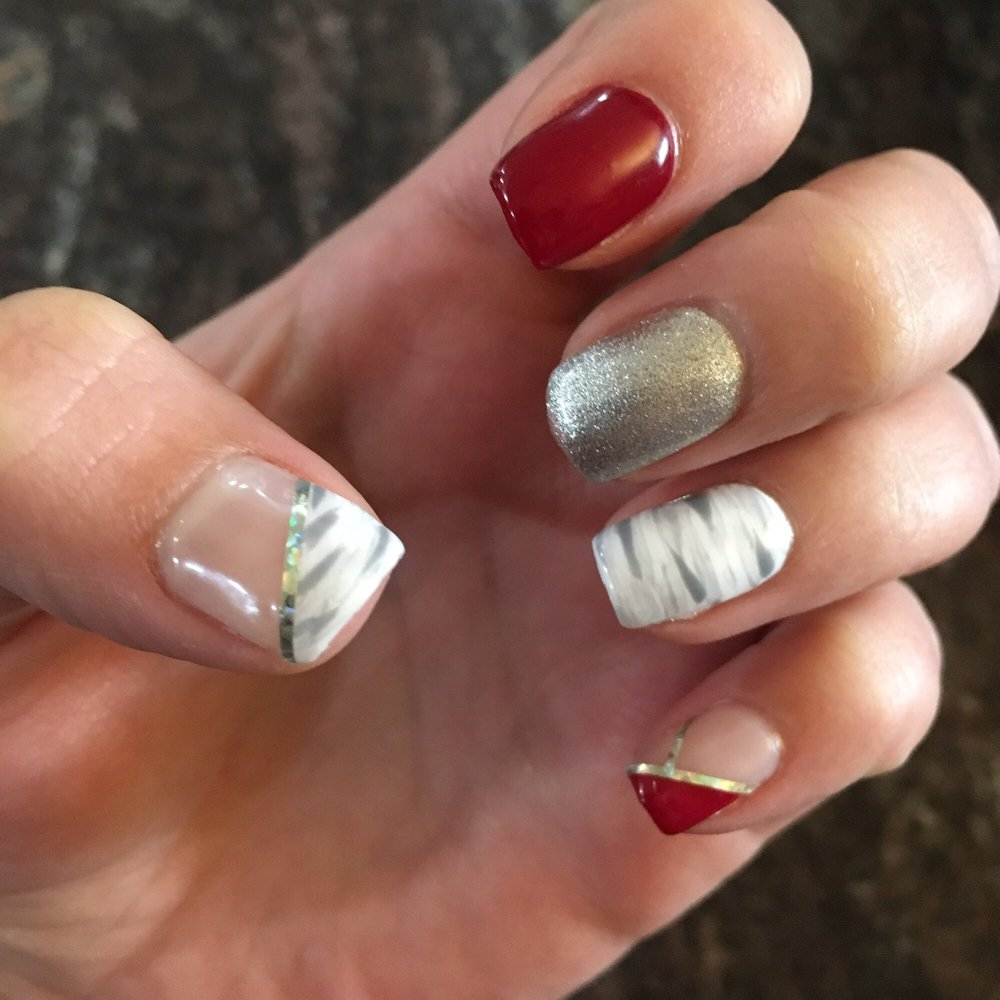 This manicure cost 30$ (gel). - Yelp