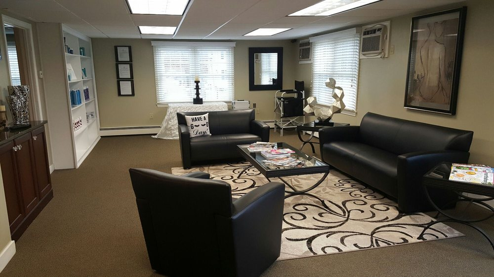 Aesthetics Brows & Lashes Lounge: 168 North Main St, Andover, MA