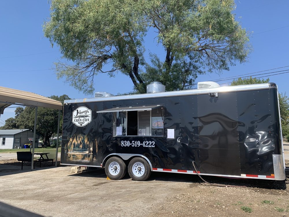 Johnny's Cajun Cafe: 113 US-90 ALT E, Gonzales, TX
