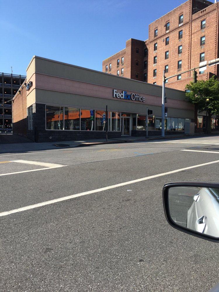 FedEx Office Print & Ship Center: 137 E Post Rd, White Plains, NY